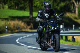 Kawasaki Z1000R - Alltagstauglichkeit & Langstreckenperformance