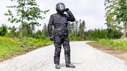 Motorrad-Textilkombi im Test: Modeka Talismen punktet mit Stretch-Material