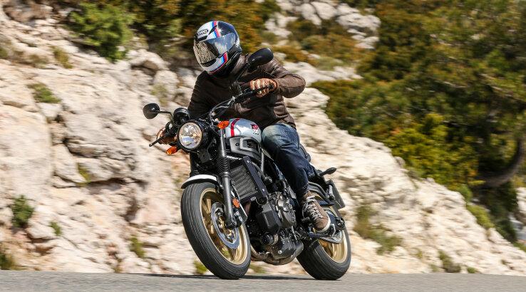 Die neue Yamaha XSR700 XTribute – Erste Fahreindrücke