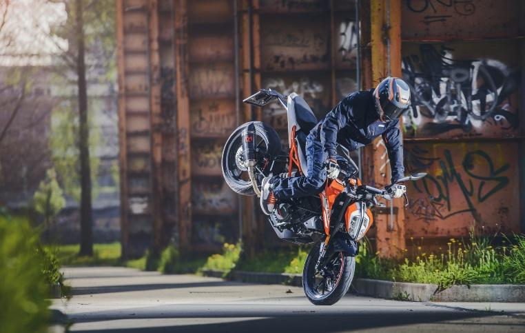 Profi-Stuntfahrer Rok Bagoroš weiß mit den Dukes zu begeistern
