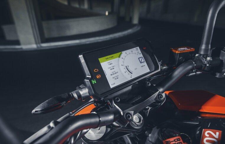 Die ersten Motorräder dieses Segments mit TFT-Display