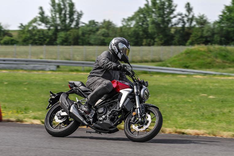 Käffchen - Honda CB300R im Fahrtest
