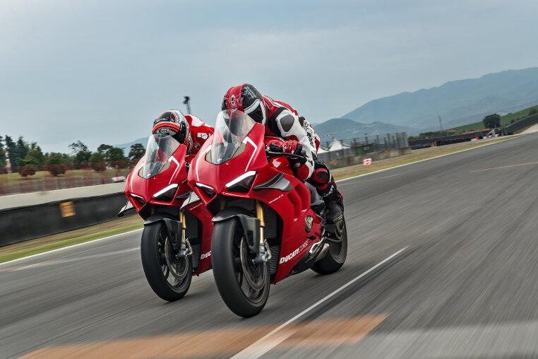 Ducati Panigale V4 R auf der Rennstrecke