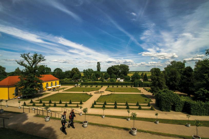 Dem Klostergarten statten wir einen ausgiebigen Besuch ab.