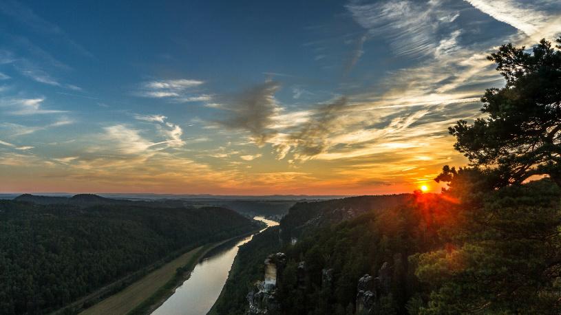 Immer sehenswert - ein Sonnenuntergang auf der Bastei