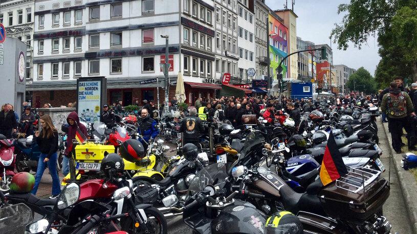 Demon gegen Motorradfahrverbote in Hamburg