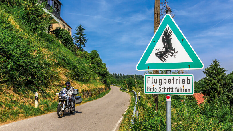 Motorradtour Greifvögel Burg Guttenberg