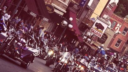 Sturgis Motorradtreffen fand mit 460.000 Fans statt - 250.000 Inifizierte?