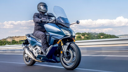 Honda Forza 750: Maxi-Scooter mit DCT-Getriebe