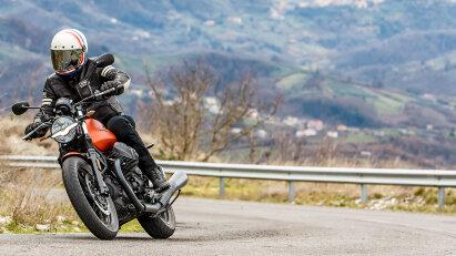 """Ersteindruck Moto Guzzi V7 """"IV"""" - vielen Dank fürs Spenderherz"""