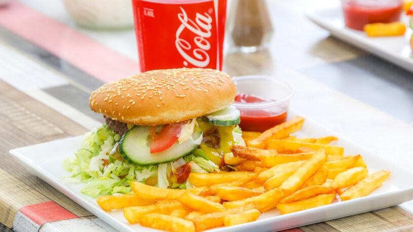 Landestypisches Mittagessen: Burger in Dänemark