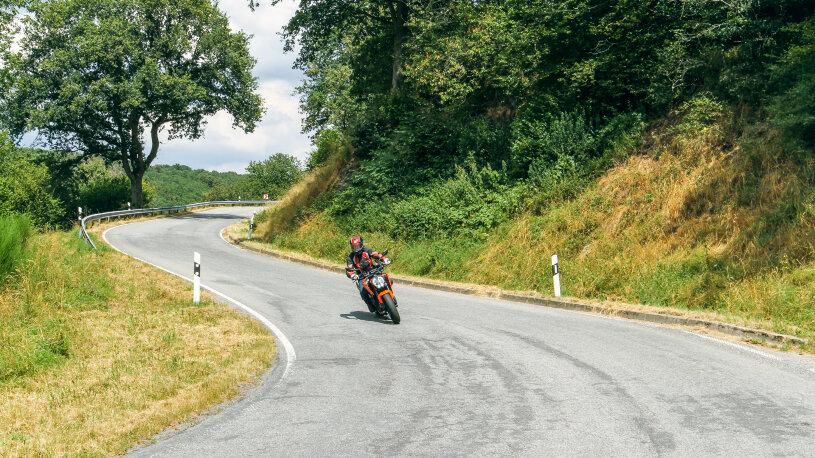 Motorradtour Hunsrück Kurven bei Geisfeld