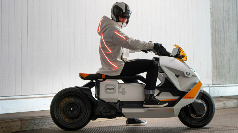 BMW Motorrad Definition CE 04, Fahrer-Parka mit Ladefeld