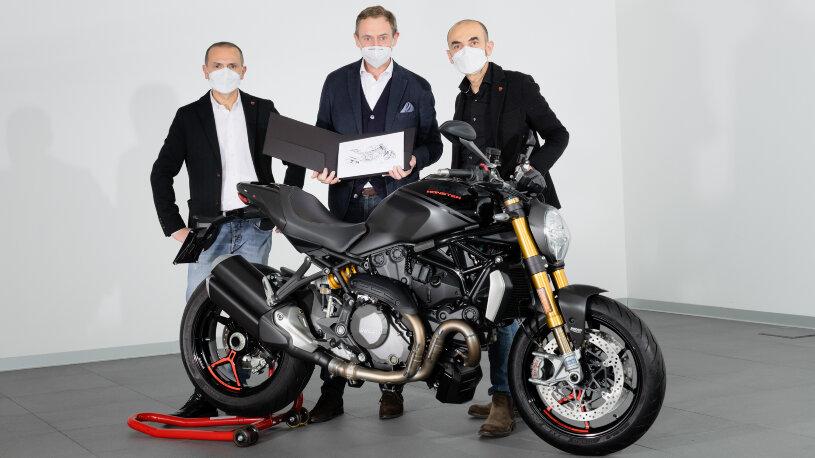 Dem Besitzer überreichte Ducati ein Echtheitszertifikat.